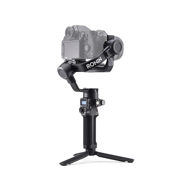 DJI RSC 2, il gimbal pieghevole a 3 assi per fotocamere compatte